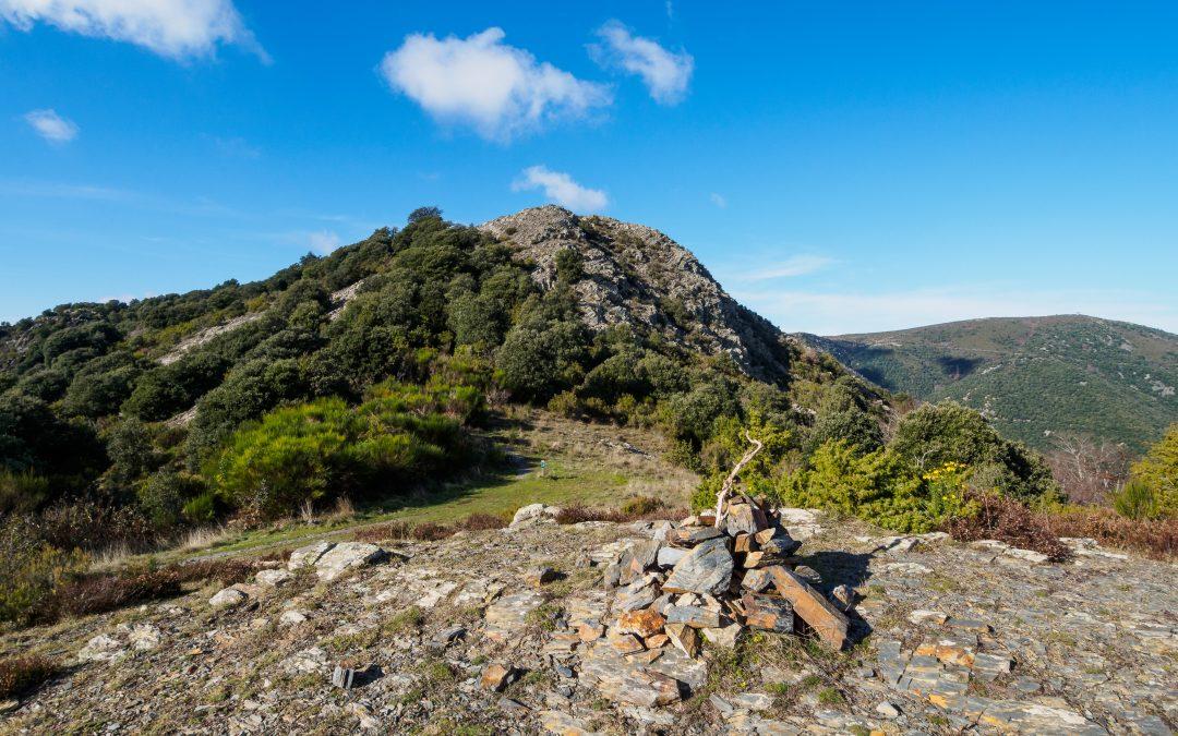 El sender PR-C 139 del Pi Novell uneix els GR-5 del Montseny i el GR-97 del Vallès